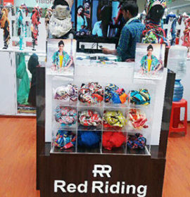 Scarves at Rs 399